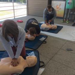 Massage Cardiaque  30 massages, 2 bouche à bouche jusqu'à l'arrivée des secours